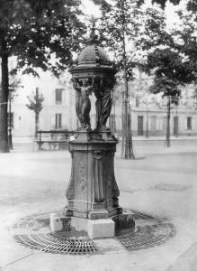 Fontaine d'eau wallace à Paris
